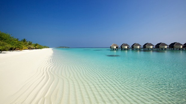 Free Maldives Beach Wallpaper