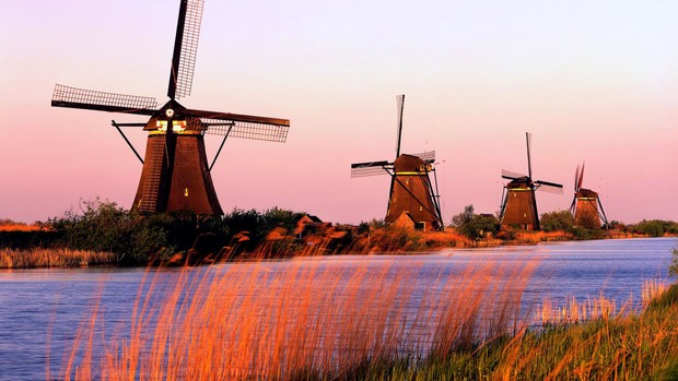 Holland Desktop Background