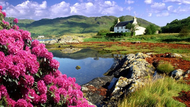 Beautiful Scottish Landscape Wallpaper