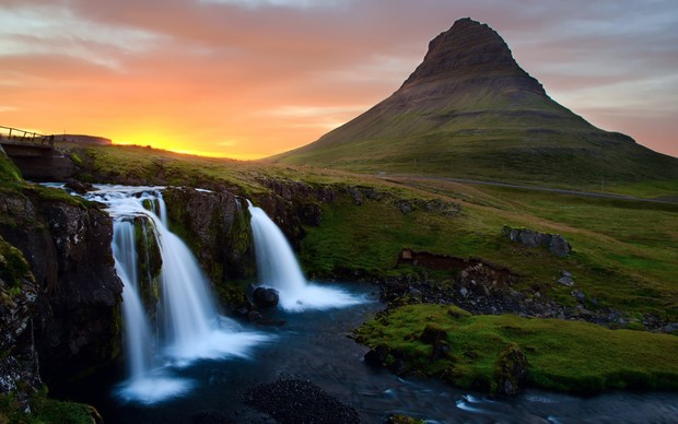 Icelandic Nature Desktop Background