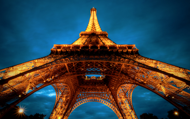 Beautiful Eiffel Tower Wallpaper