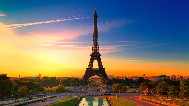 Eiffel Tower Desktop Background