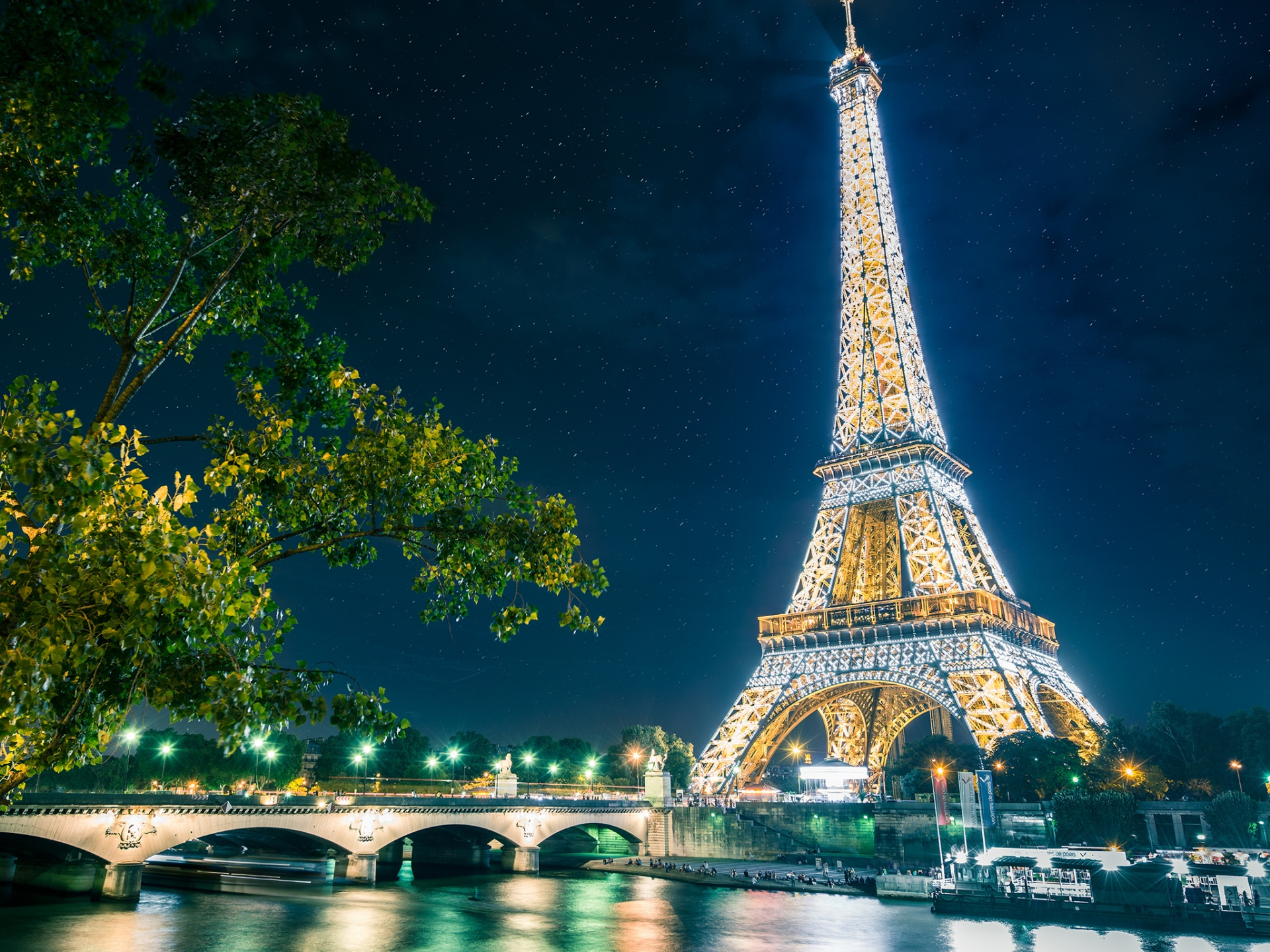eiffel tower wallpaper - photo #2