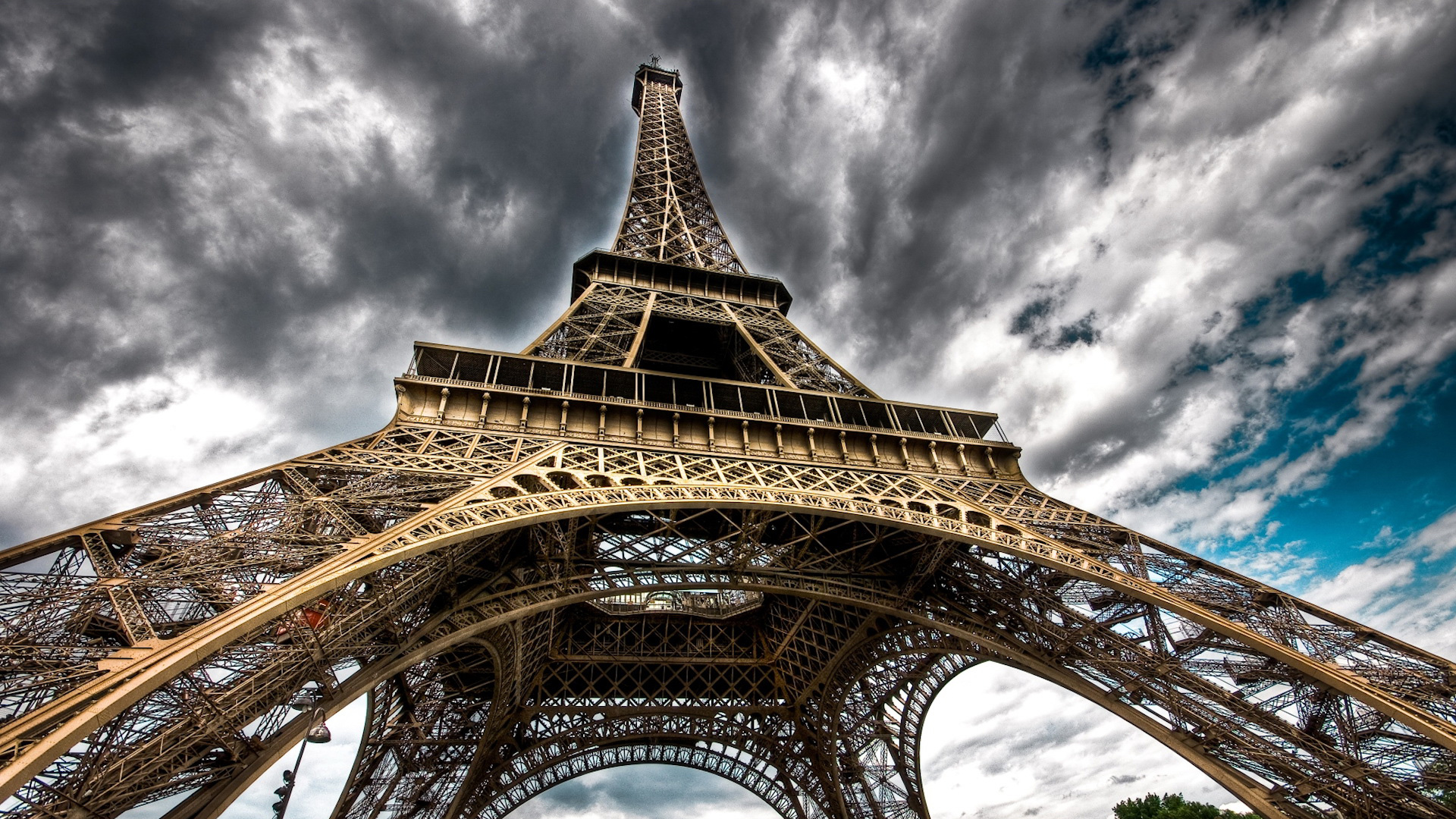 eiffel tower wallpaper - photo #34